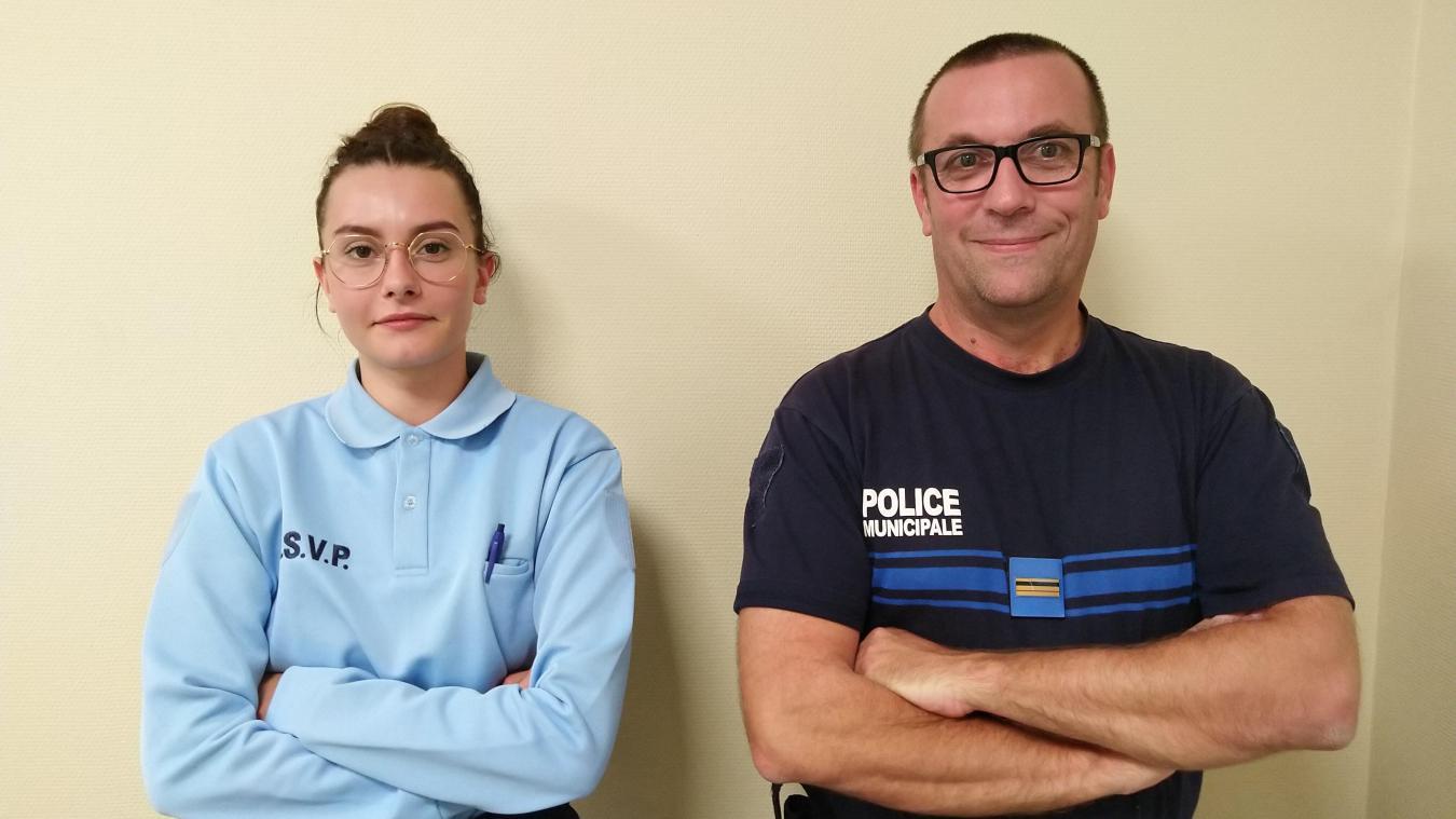 L'agent de surveillance de la voie publique (ASVP), Anthinéa Reboulet, et le policier municipal, Olivier Lebordais.