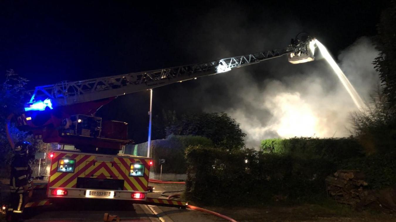 Tournon : une maison d'habitation ravagée par les flammes