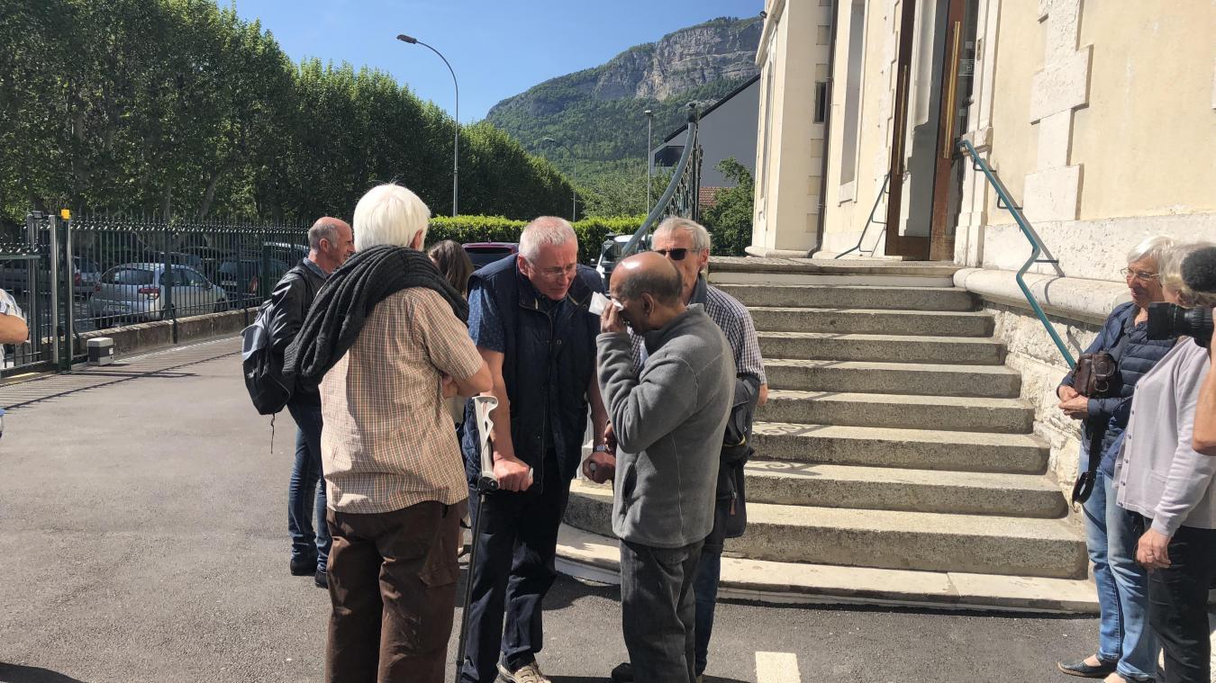 Antoine Monnet, et Krishnasamy Iyaloo à la sortie du tribunal en juillet 2019 à Bonneville.