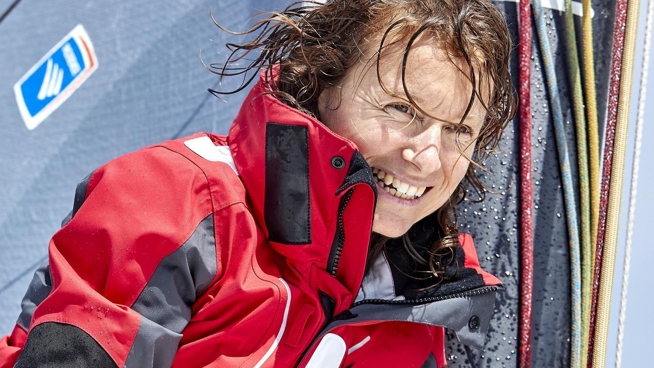 La navigatrice s'apprête à passer entre 75 et 80 jours, seule en mer. (Crédit photo : Thierry Martinez)