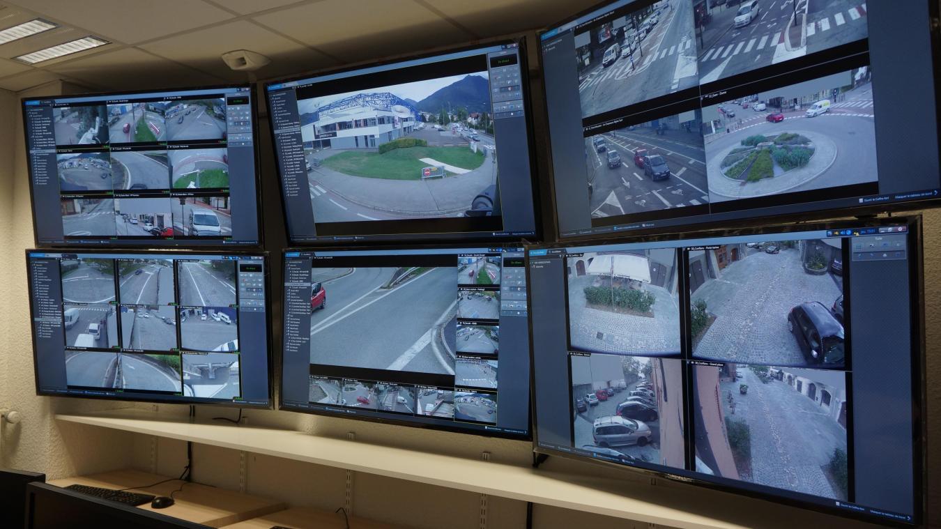 Chaque entrée dans le centre de supervision de la police municipale fait l'objet d'une procédure d'identification communiquée à la Préfecture.