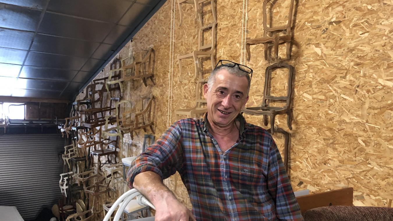 L'atelier du tapissier se trouve rue du Dr Coste, à Villes, dans les anciens bâtiments Gret.