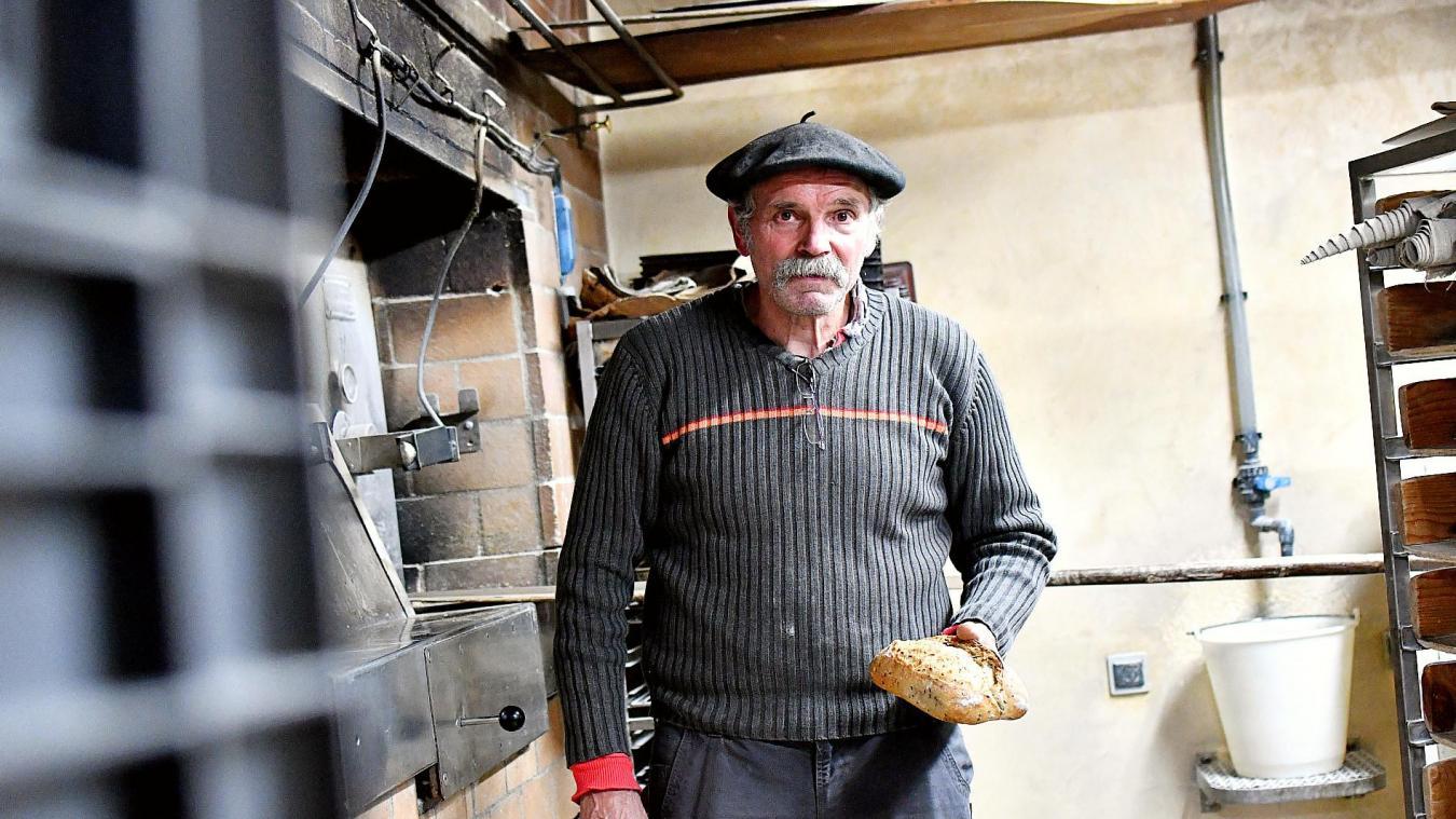 Paul Rochet vend une partie de sa production sur place, et fournit aussi une cantine scolaire de Saint-Sylvestre.