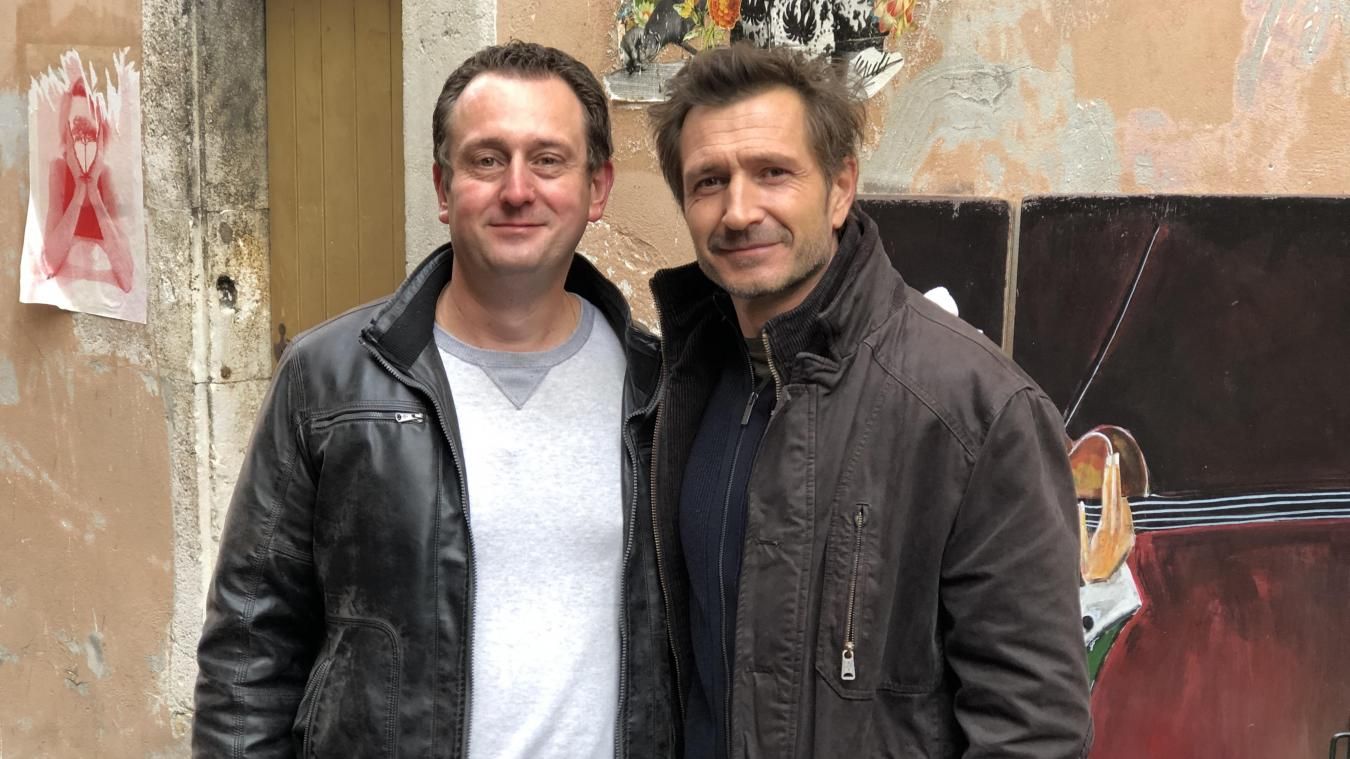 Richard Berthoud délivre notamment ses conseils à Alexandre Varga, qui interprète le capitaine de police Pascal Roche à l'écran.