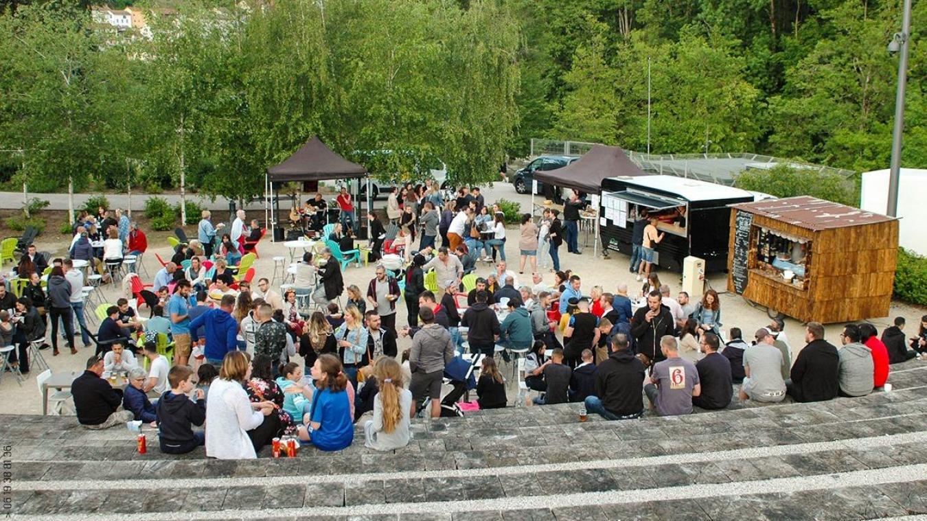 En temps normal, les Apé'Rhône réunissent, chaque jeudi soir de l'été, jusqu'à 500 personnes.
