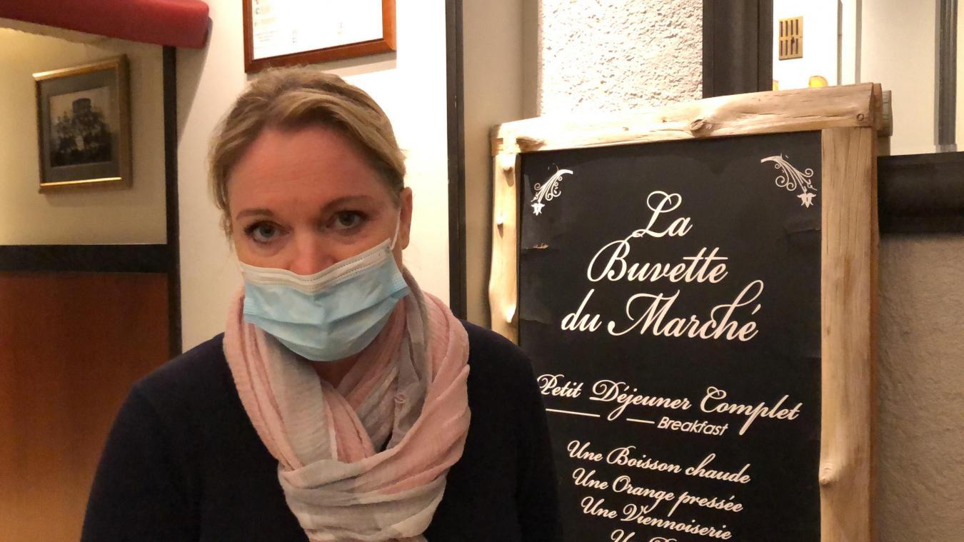 Karine Zerbola, gérante de La Buvette du Marché à Annecy, pousse un cri d'alarme.