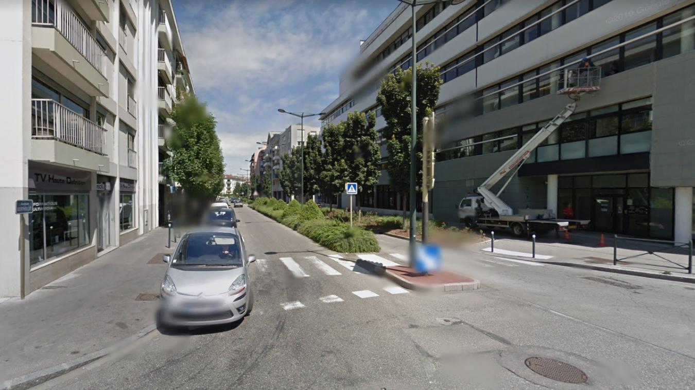 Un garçon de 16 ans est convoqué au commissariat d'Annecy, mercredi 4 novembre 2020, pour avoir pris part à une bagarre dans la rue deux jours auparavant.