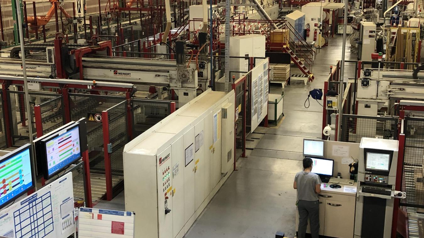 L'usine du Bray, à l'entrée de Thônes, produit pour toutes les marques du groupe Fournier Habitat dont les cuisines Mobalpa.