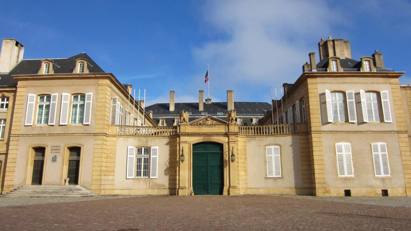 La préfecture de Moselle a refusé de refaire la carte grise de Raymond Schmitt : celui-ci a été déclaré mort il y a quelques années.