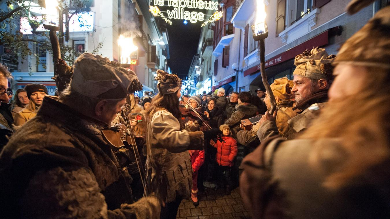 Le Fabuleux village aurait dû débuter le 11 décembre avec l'arrivée toujours spectaculaire des flottins.