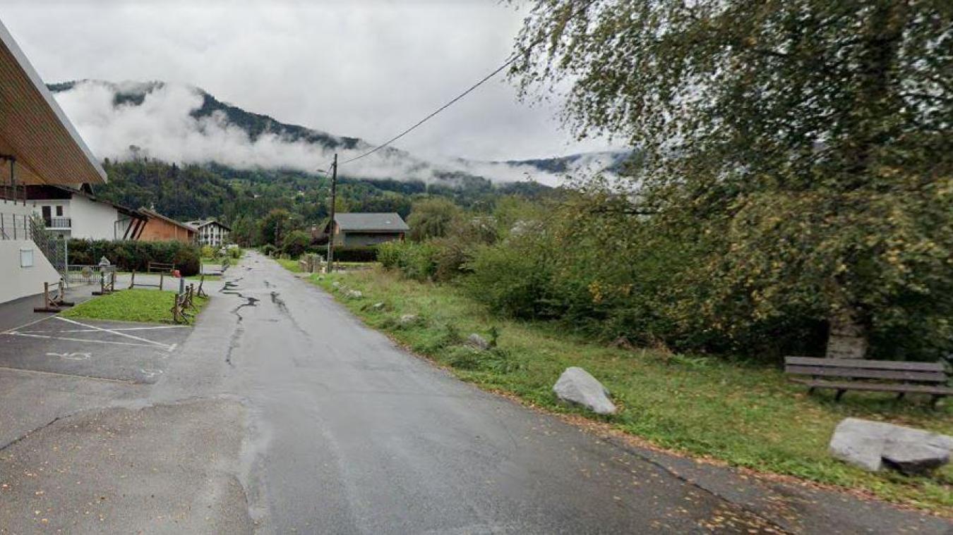 La route des Drugères est très empruntée et la population peste contre les nids-de-poule.