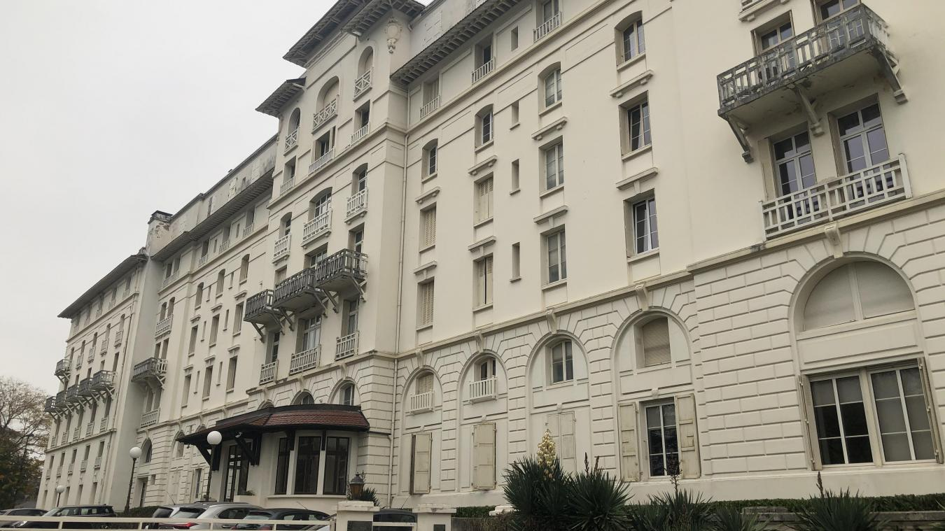 (De g. à d. et de h. en b.) L'hôtel du Parc, le Grand hôtel des Bains et le casino, trois rares vestiges du passé thermal de Thonon.