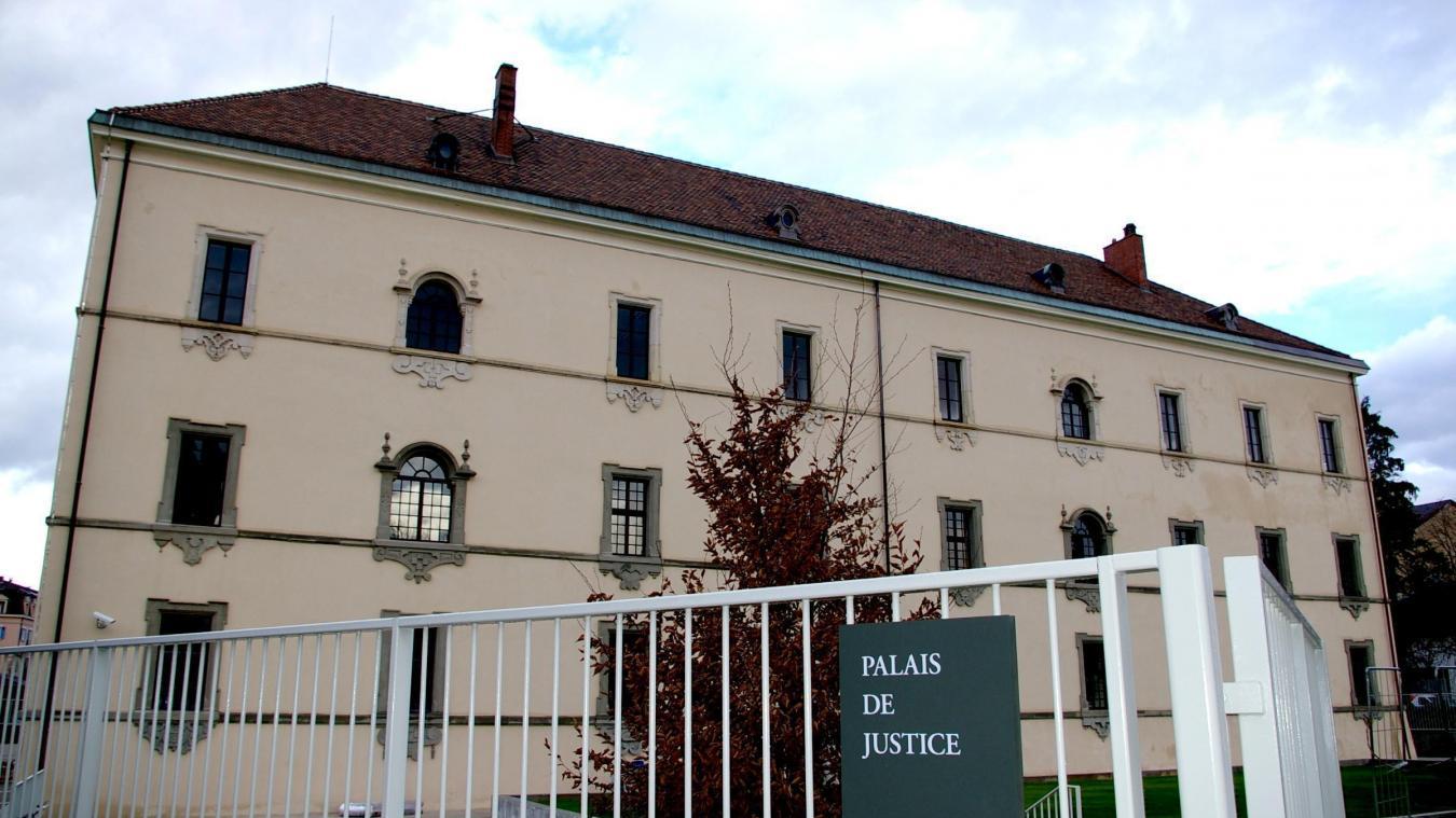 Le tribunal correctionnel de Thonon-les-Bains a demandé à ce que l'homme soit suivi par un thérapeute.