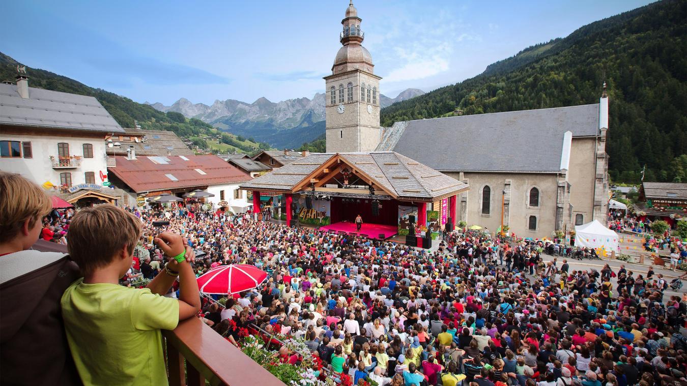 Les retombées économiques du festival Au Bonheur des Mômes (comme de la coupe du monde de biathlon) équivalent à « une semaine de haute saison », d'après l'Office de tourisme bornandin.