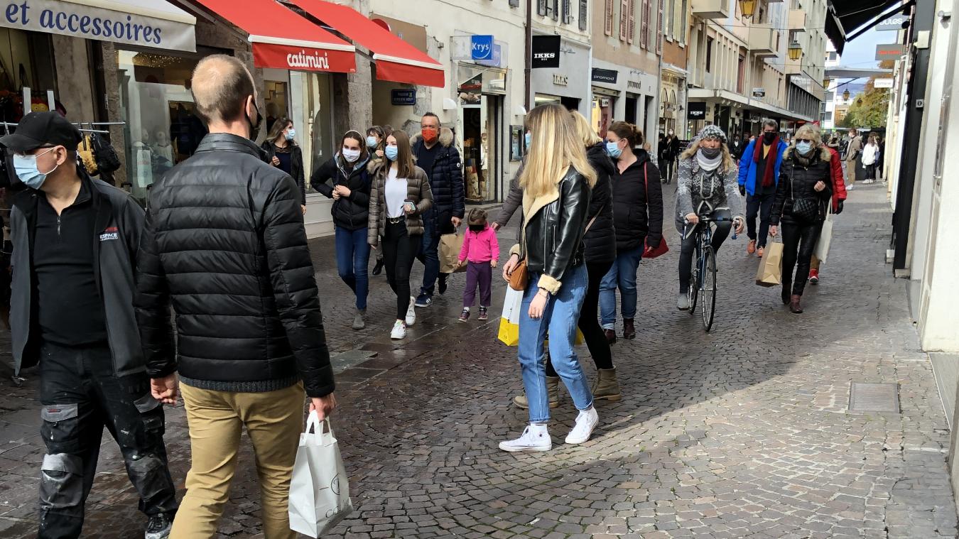 Les commerces de détail auront la possibilité d'ouvrir le dimanche sans besoin de faire une demande de dérogation jusqu'à la fin de l'année en Haute-Savoie et en Savoie.