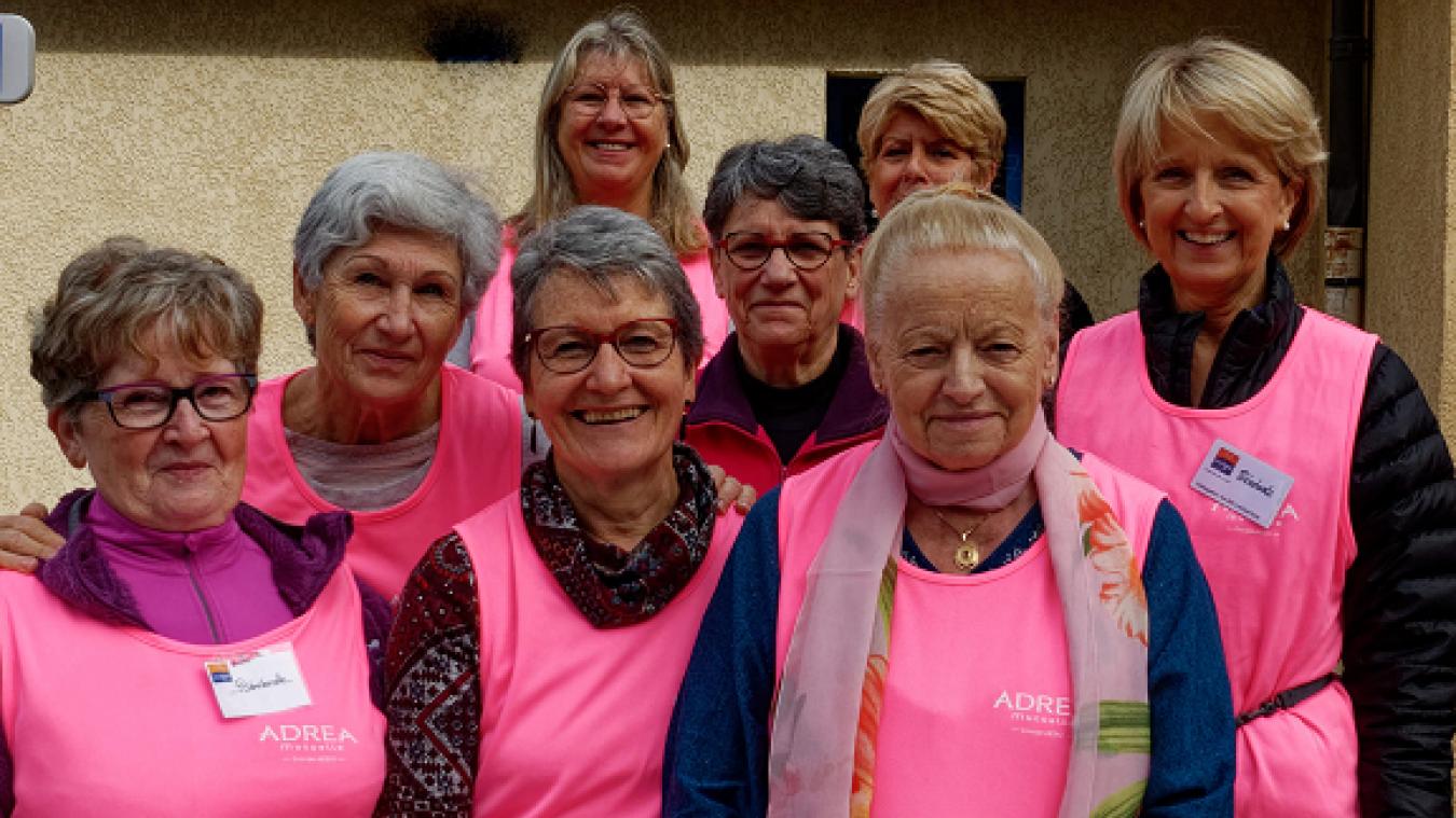 Quelques bénévoles appartenant à la délégation locale de la Ligue contre le cancer.