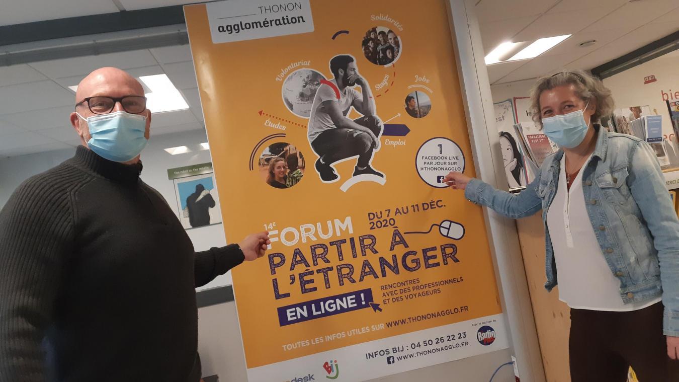 Gérard Bastian, vice-président de Thonon Agglomération en charge de la cohésion des territoires, et Muriel Gallon, informatrice jeunesse du BIJ proposent cette année une édition en ligne du forum Partir à l'étranger.