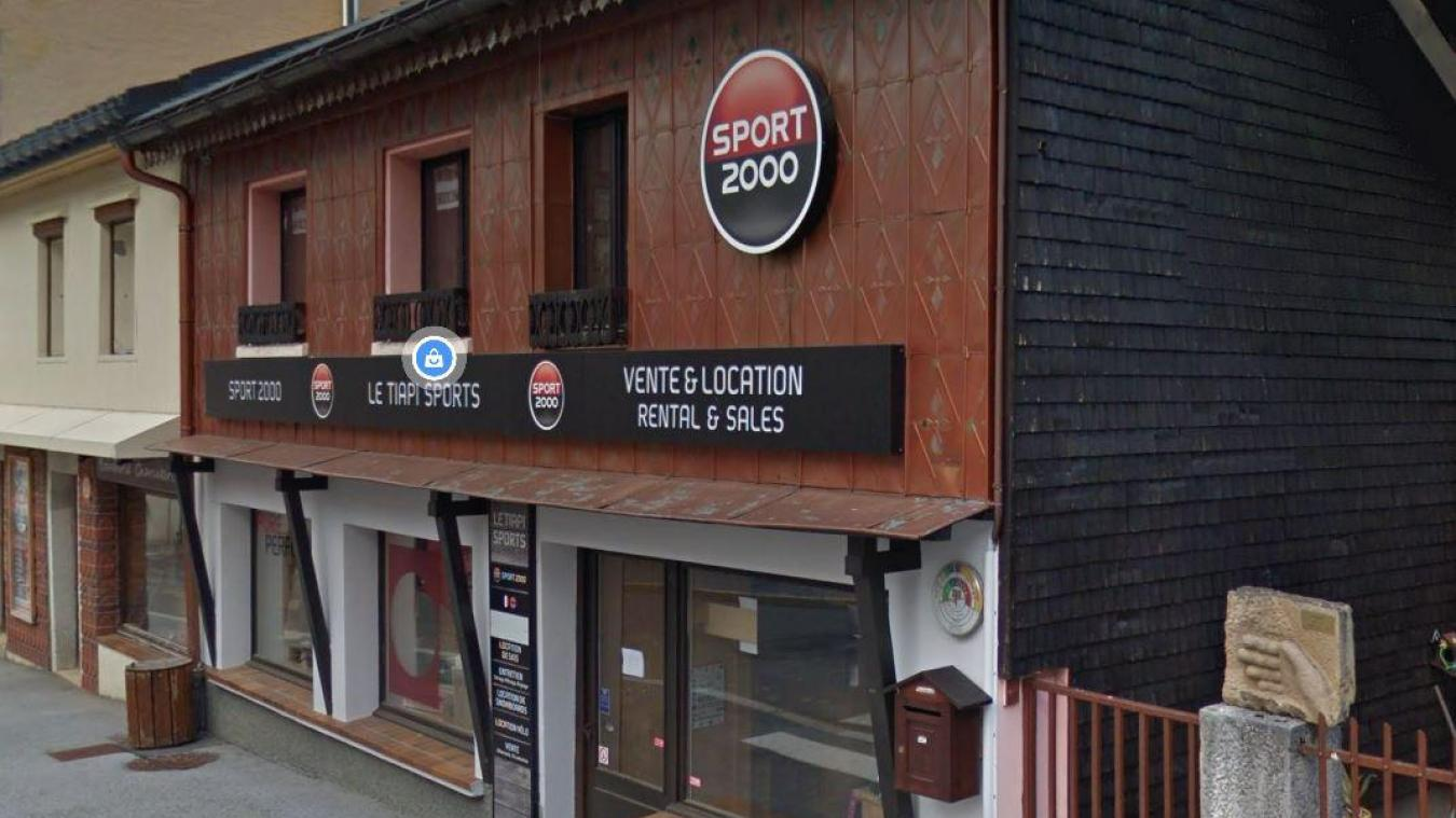 Dominique Juillard fait de la location de matériel de sport à Mijoux.
