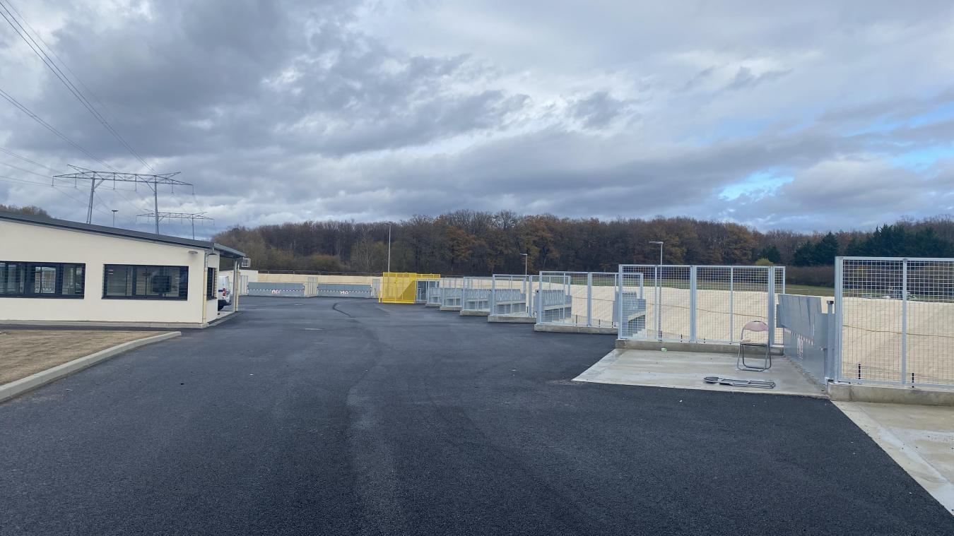 Elus et représentants de Pays de Gex agglo et de la commune d'Ornex ont réalisé la visite de chantier.