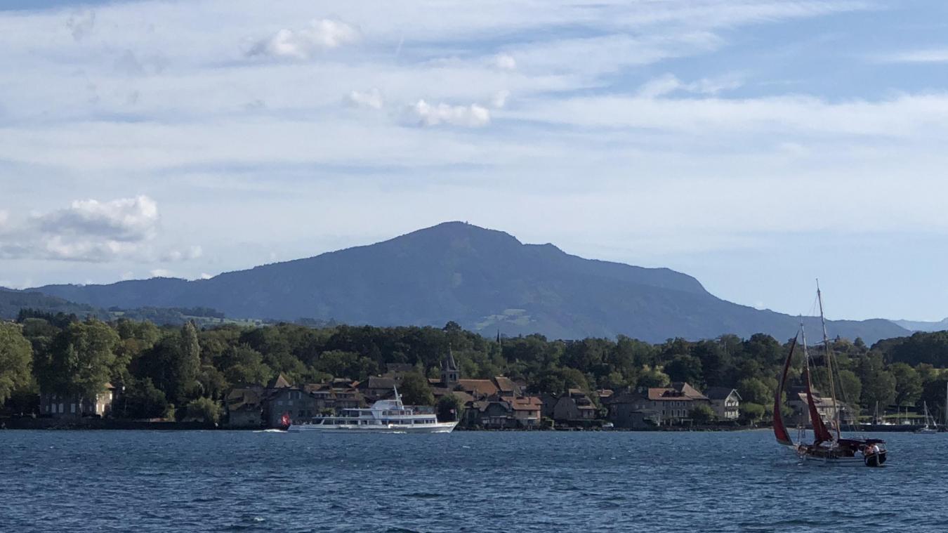 Tournée vers le lac, la Presqu'île présente d'indéniables atouts touristiques.