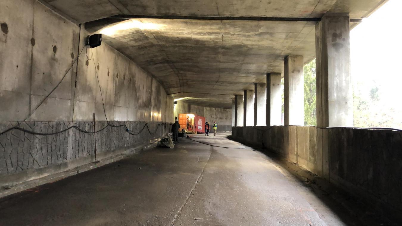 Ce vendredi 4 décembre, en fin de journée, la route d'accès à la sataion du Praz-de-Lys, par La Ravine est ouverte à la circulation pour toute la saison hivernale.