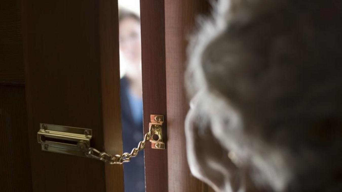 La police appelle à la prudence les personnes âgées ou vulnérables, cibles favorites de ces voleurs par ruse.