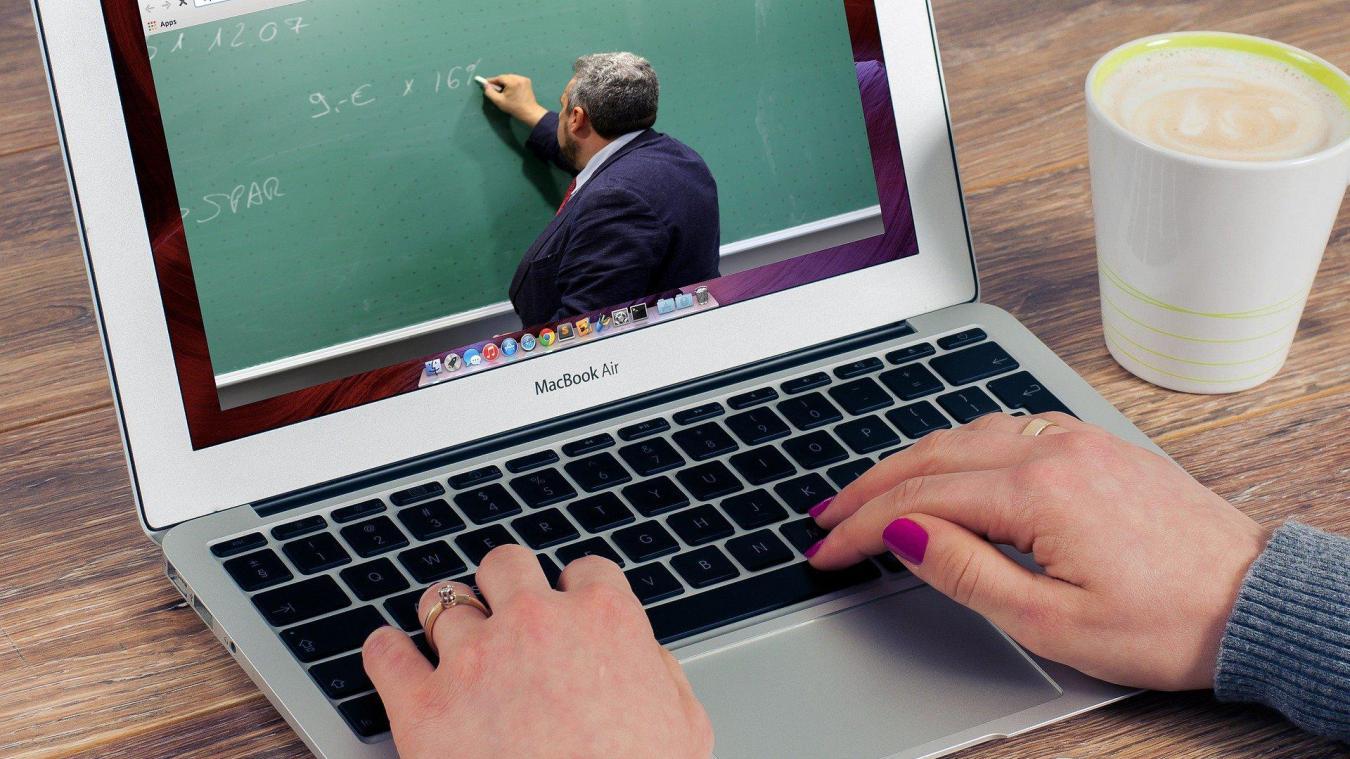 Les faits ont eu lieu lors d'un cours de mathématiques organisé en visioconférence.