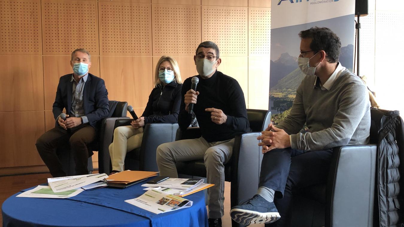 Didier Sarda, Frédérique Lardet, François Astorg et Étienne Andréys en conférence des mobilités saisonnières.