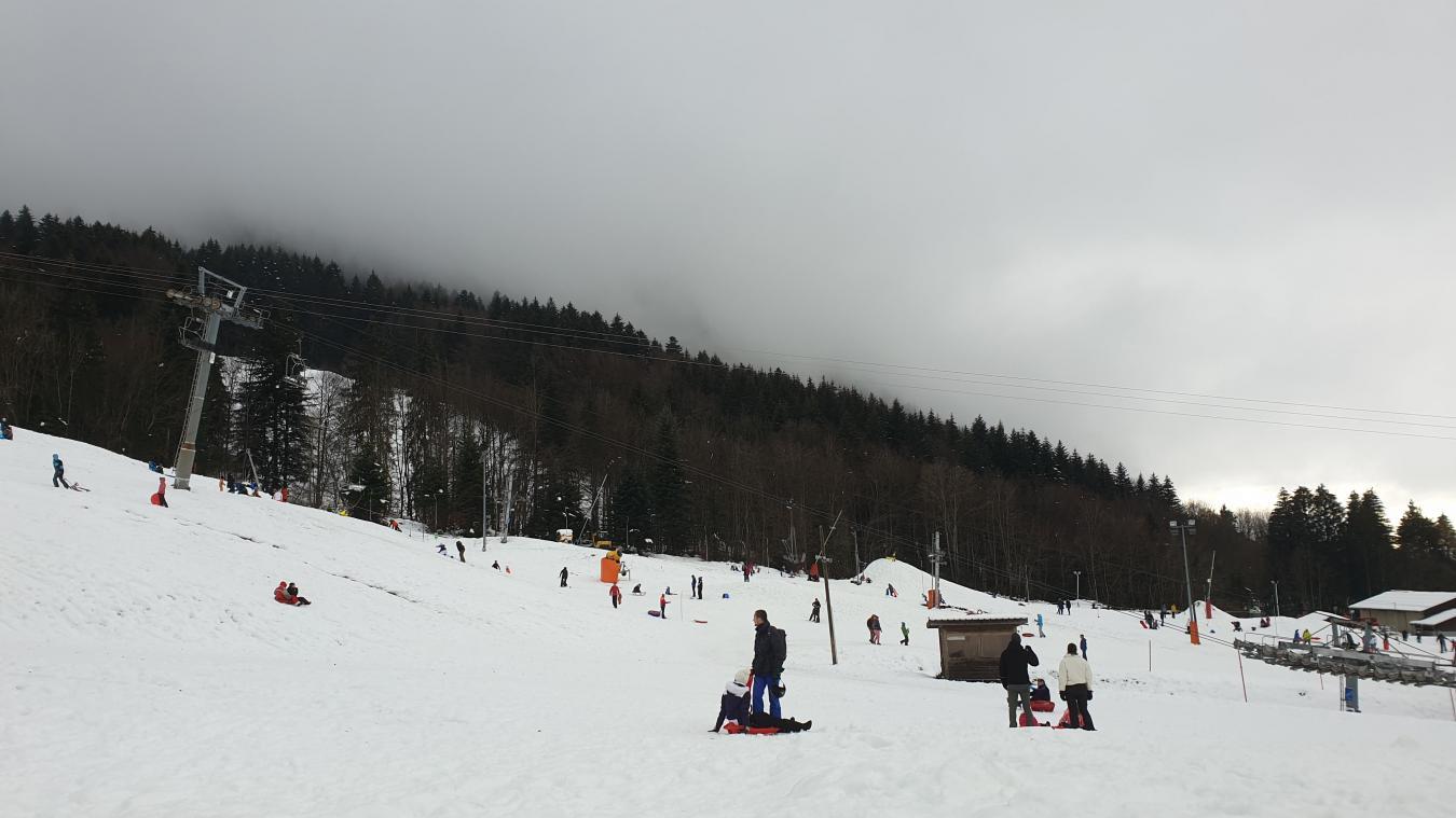 (PHOTOS) Beaucoup de monde sur les pistes de Bernex