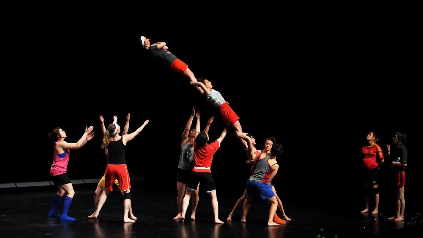 Le spectacle «Portés de femmes» prévu le 15 décembre au Dôme Théâtre est reporté au 1er avril et ce n'est pas une blague!