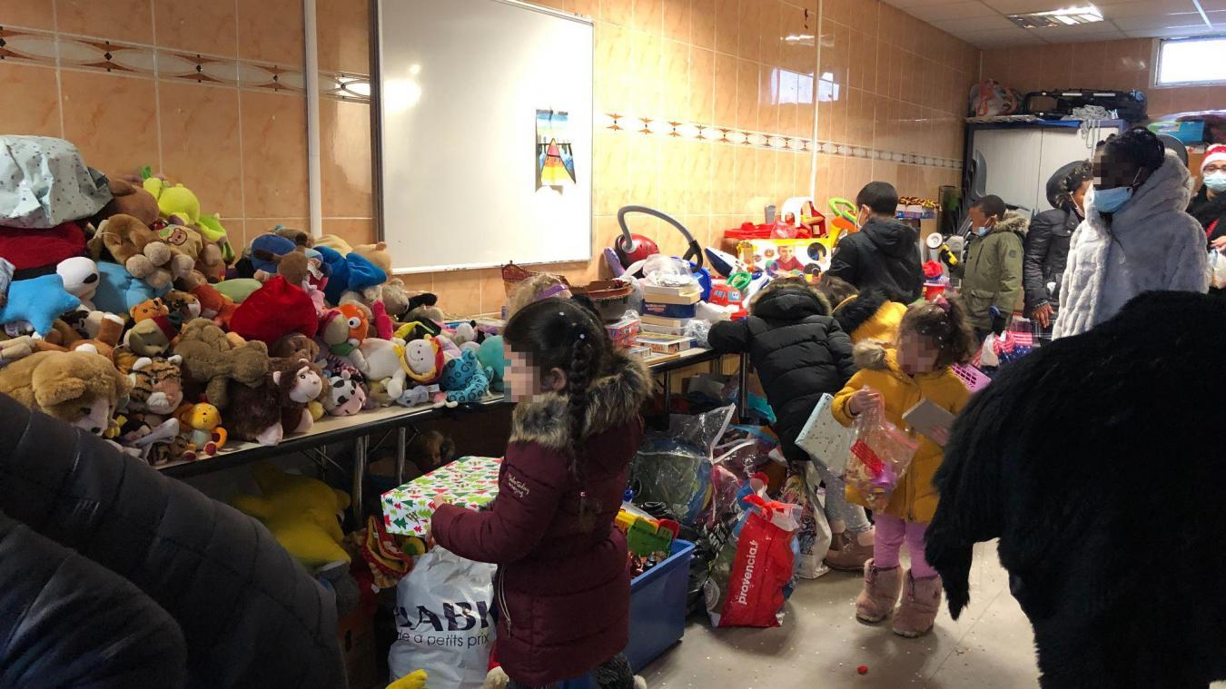 Annemasse : une association distribue des cadeaux de Noël aux plus démunis
