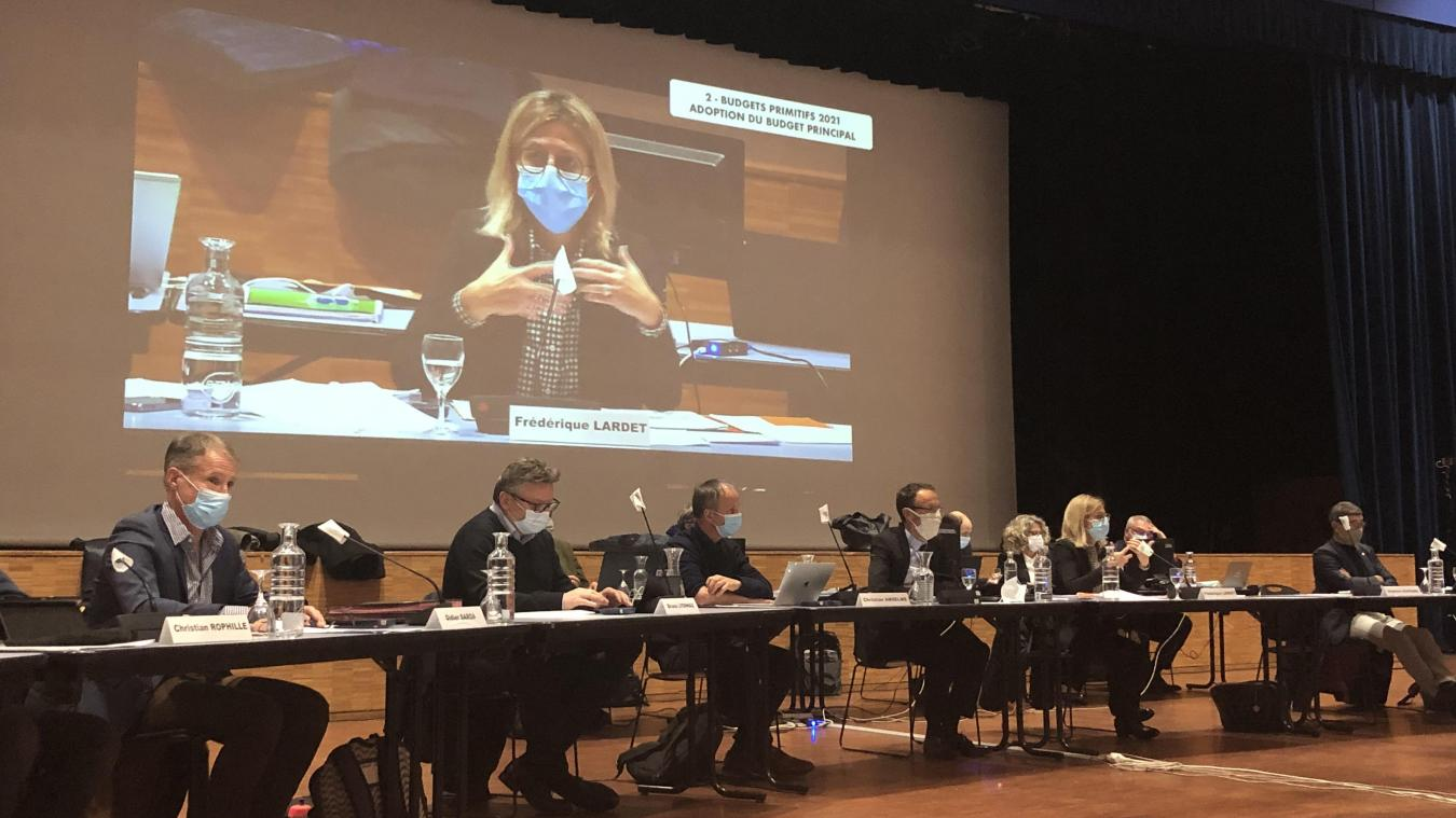 Près de deux heures de débats entre les élus ont été nécessaires en amont du vote du budget 2021 du Grand Annecy.