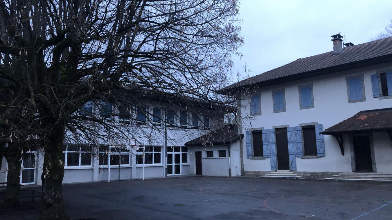 Les locaux de l'ancienne école primaire, située non loin de la mairie, ont été vidés en février 2020.