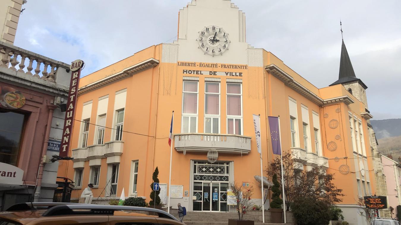 L'actuelle mairie date de 1932.