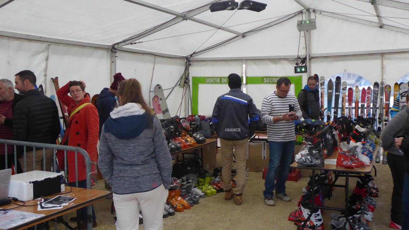Depuis 3 ans, la bourse aux skis est organisée par la mairie, le SCOB et la Mission Locale Jeunes.