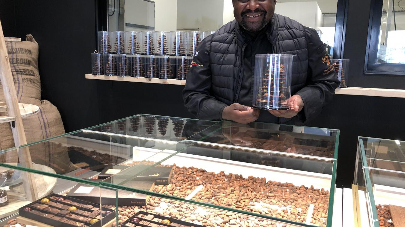 Pour les fêtes de fin d'année, Serges Ngassa, fondateur de Cocoa Valley, a lancé un sapin de Noël en chocolat.
