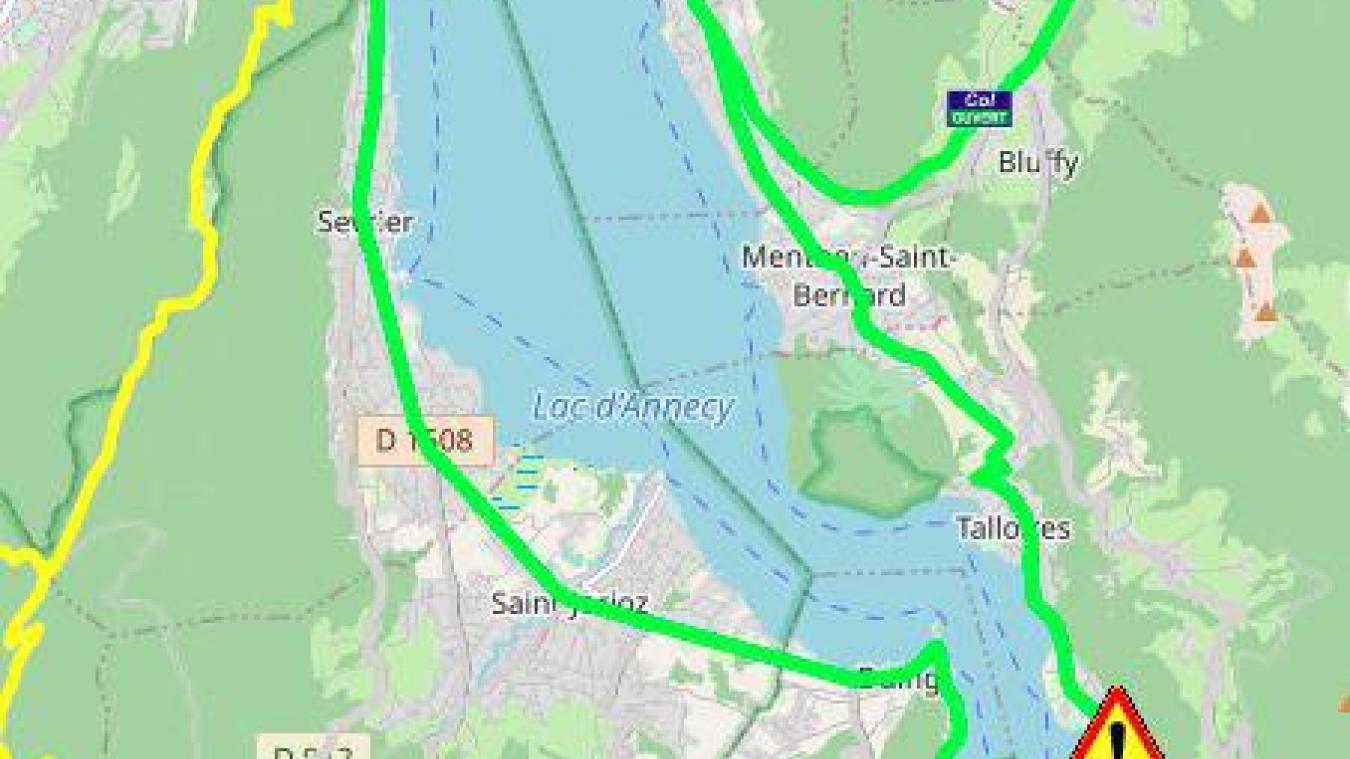 La circulation est coupée dans les deux sens, à la sortie de Talloires-Montmin, à hauteur du hameau des Balmettes.