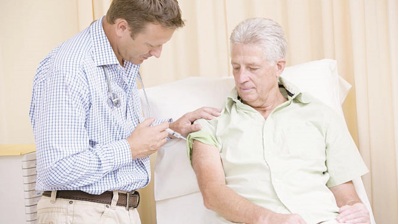 La vaccination est désormais proposée à tous les personnels du monde de la santé de plus de 50 ans. (photo illustration)