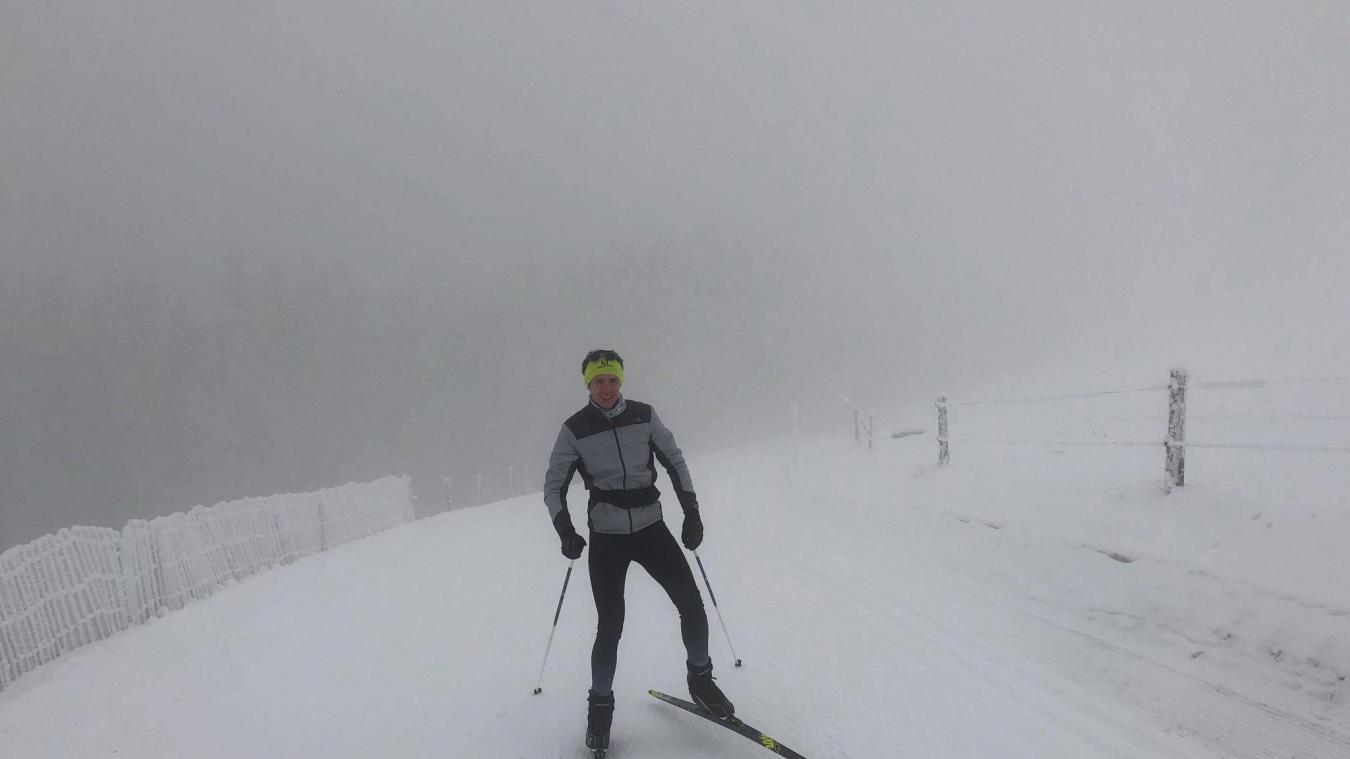 Malgré le brouillard, l'ambiance était féerique ce mardi 5 janvier, entre La Croisette et le parking de la Grotte du diable, via le col des Pitons. Dur d'imaginer dans ce décor enneigé que la piste bleue est une départementale (la D41A) hors période hivernale !