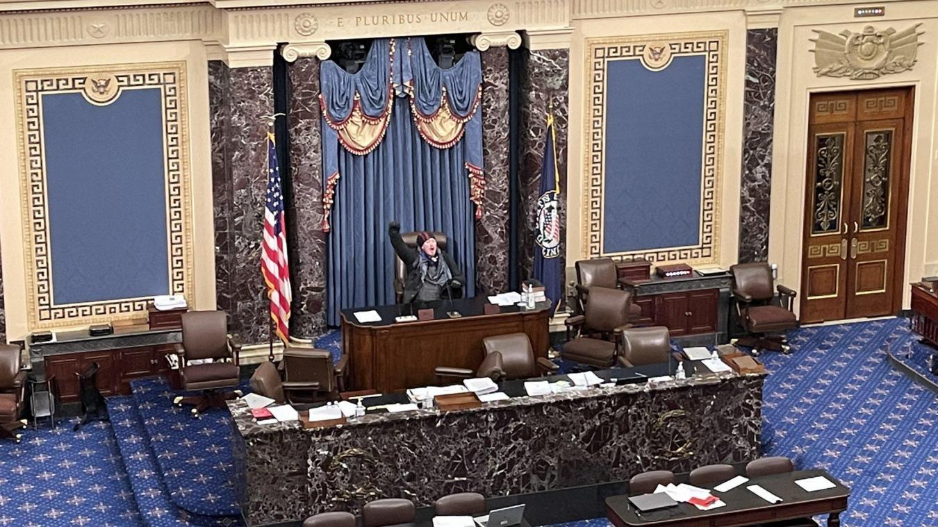 Des manifestants ont envahi le Capitole, mercredi 6 janvier.