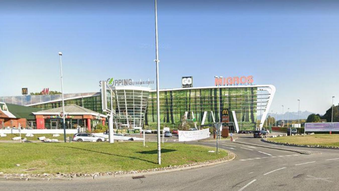 La fugue de la jeune fille a pris fin dimanche 3 janvier, en fin d'après-midi, devant le centre commercial d'Etrembières.