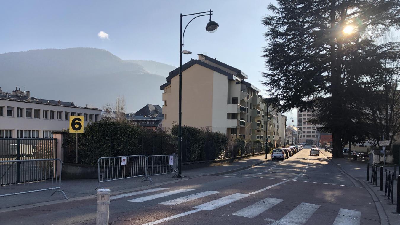 La rue du Présient Coty est de nouveau à sens unique de circulation depuis le 12 janvier.