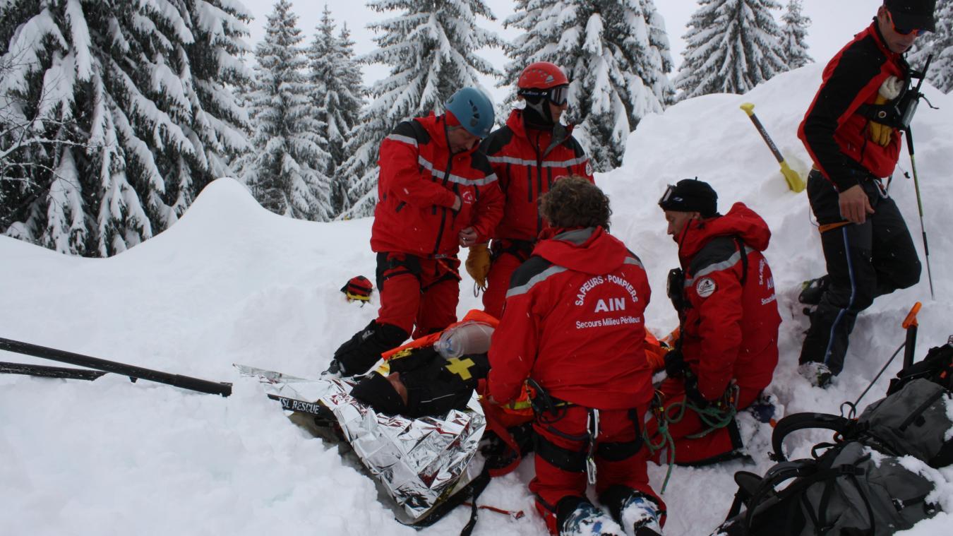 En montagne, les pompiers du SMPM (secours milieu périlleux et montagne) sont dépêchés.