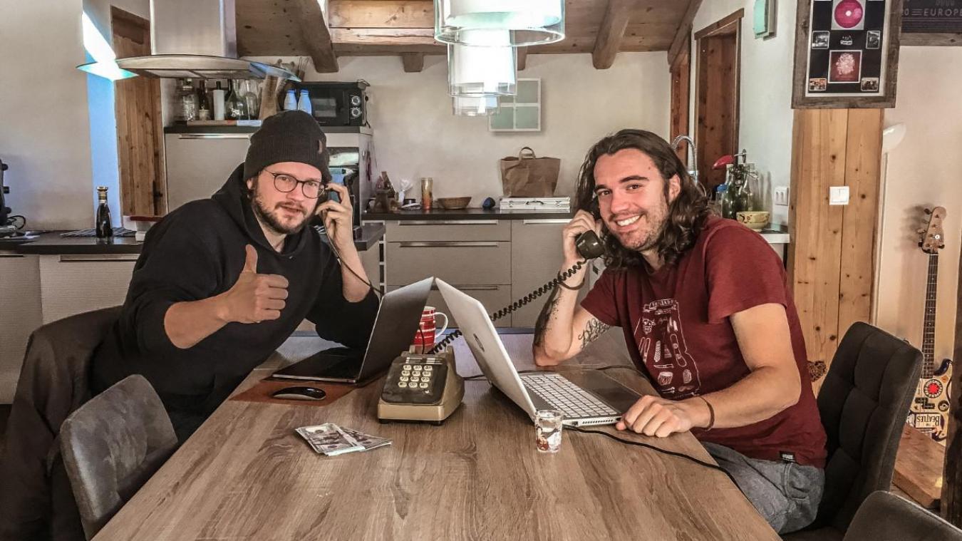 Jérémy et Roche ont crée Vanoise Session Live, un rendez vous proposant un instant musical tous les dimanches, avec des groupes de Tarentaise.