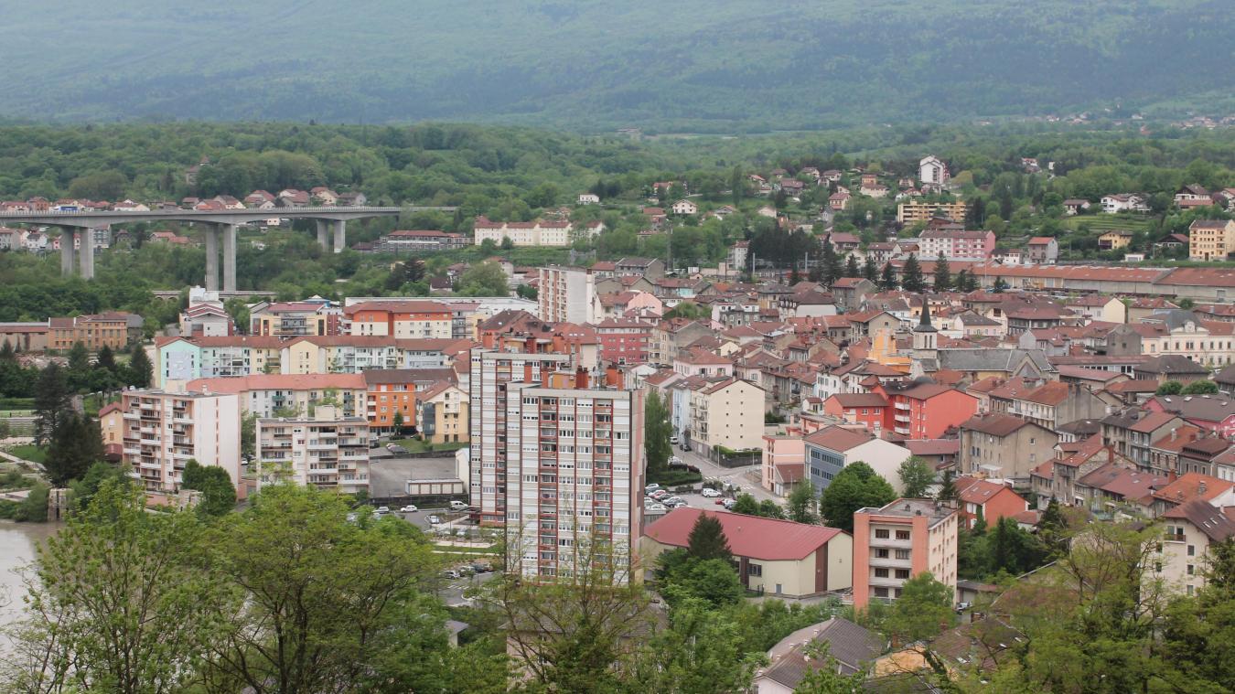 A Valserhône, la population a peu évolué en 1 an.