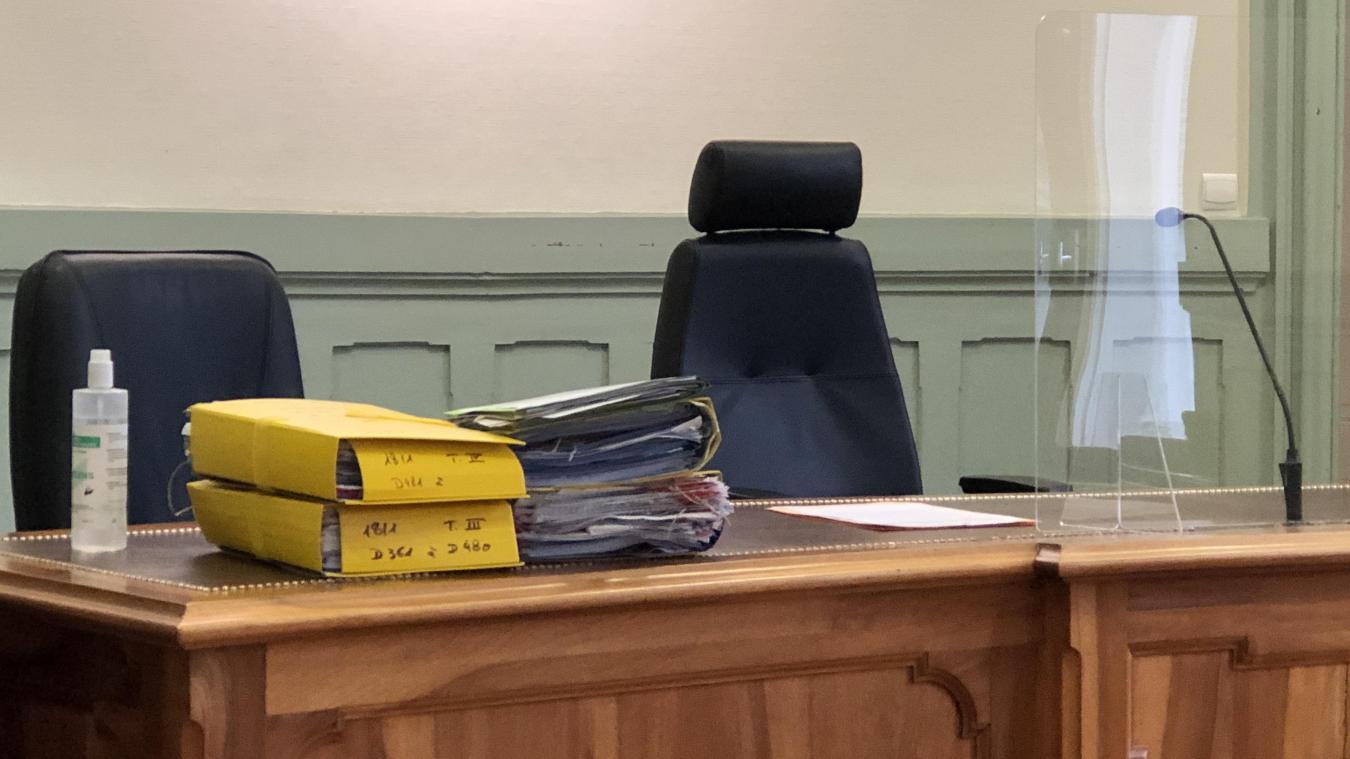 Cinq prévenus, originaires des pays de l'Est, étaient convoqués au tribunal de Bonneville. Ils devaient répondre de vols perpétrés dans de nombreux magasins de Megève.