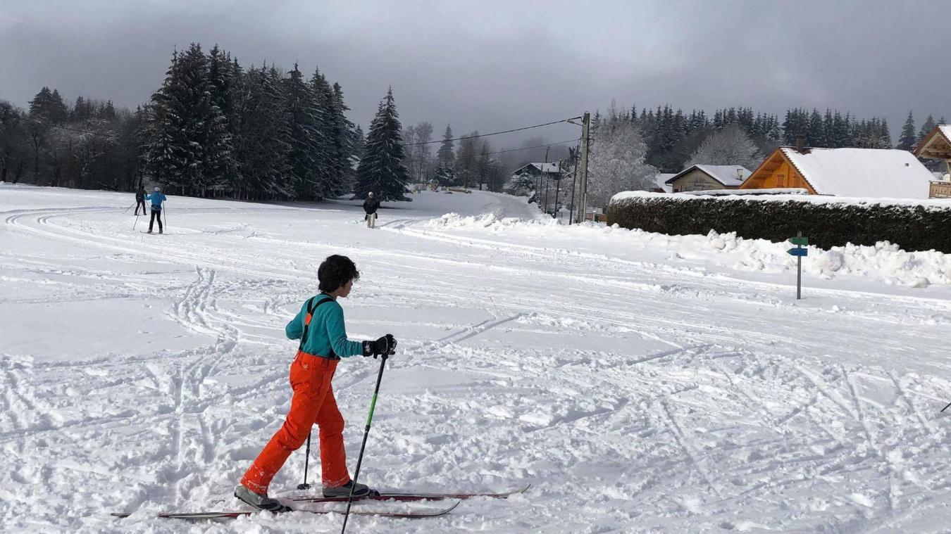 Petits et grands s'adonnaient aux joies de la glisse en ski de fond, samedi 16 janvier à Orange-Montisel, dans une belle ambiance.