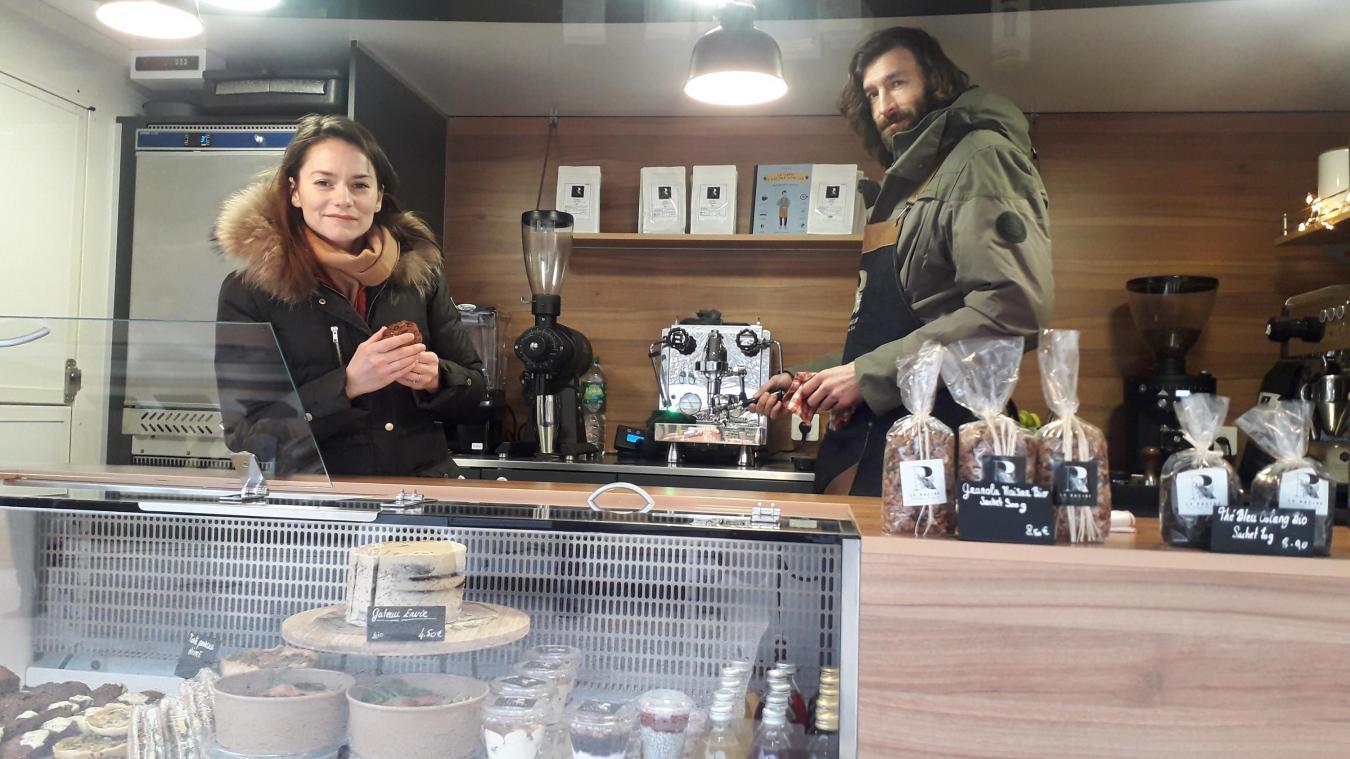 Jeanny Busquet, Ross Skeate et leur Racine Coffee Truck sont présents sur les marchés de Douvaine, Bons et Veigy.