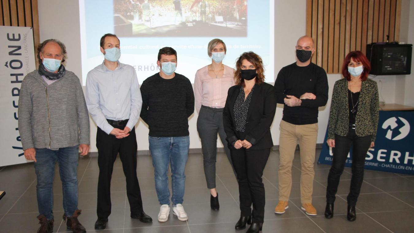 Les six agents qui travaillent au sein de la cellule dédiée à l'événementiel, avec Sandra Laurent-Segui.