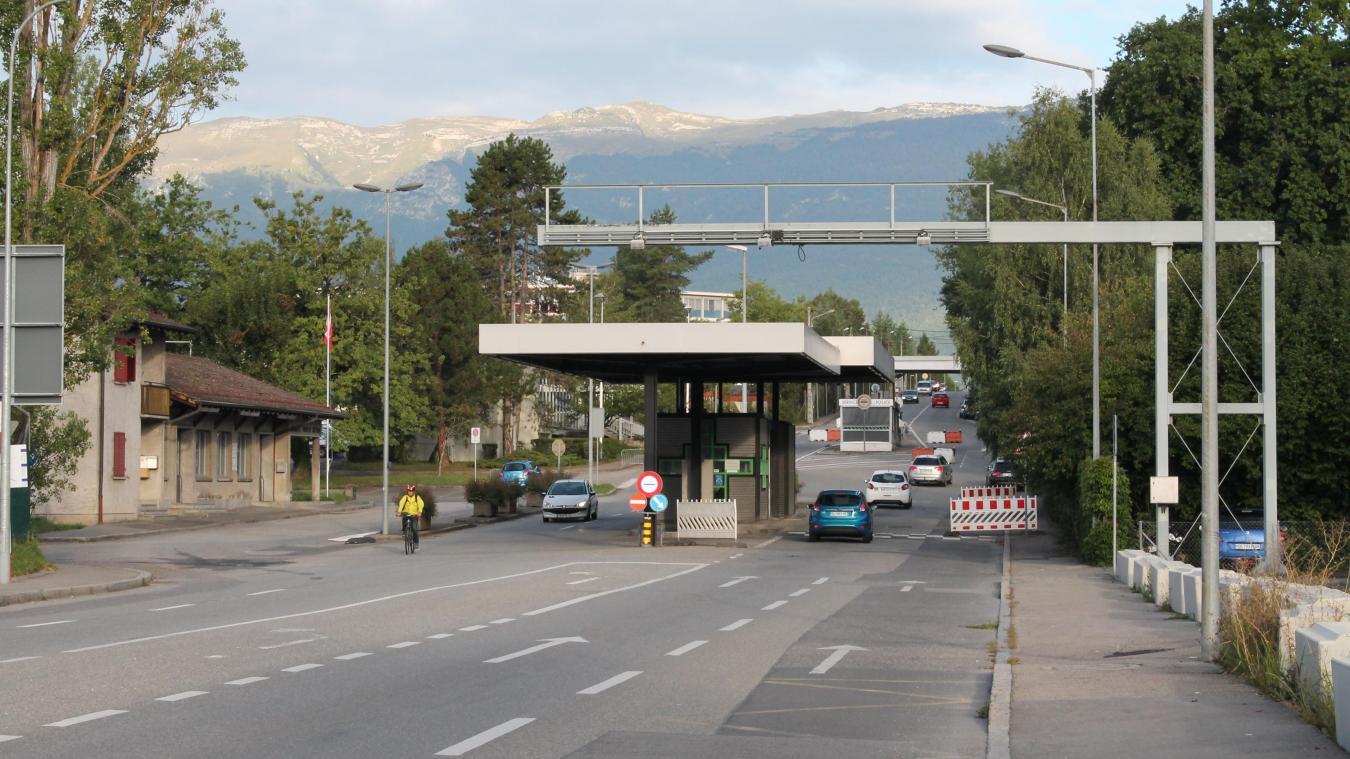 Le premier contrôle a eu lieu à la douane de Mategnin.